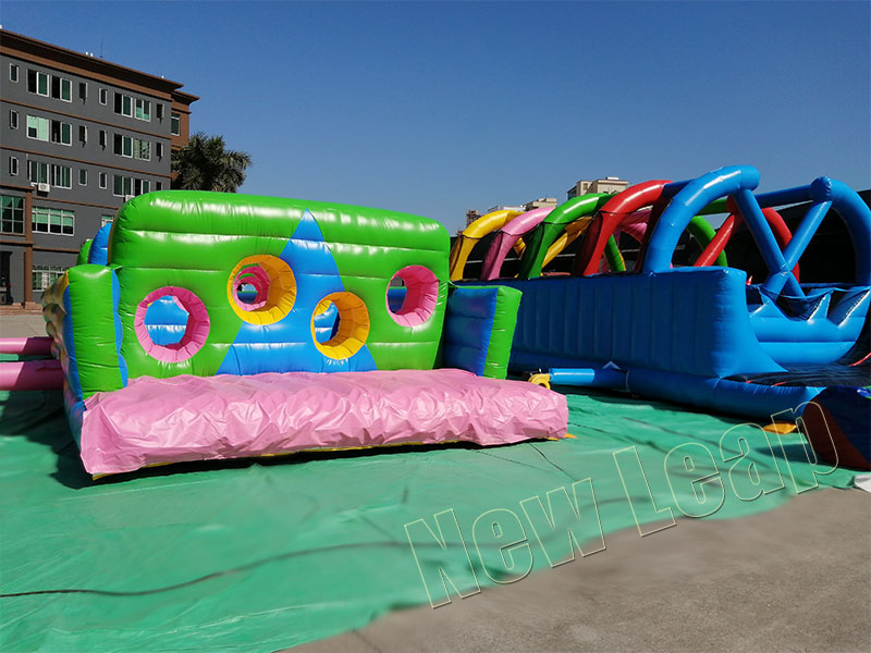 Inflatable obstacle games