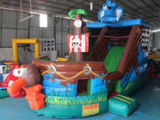 barco pirata inflable gigante